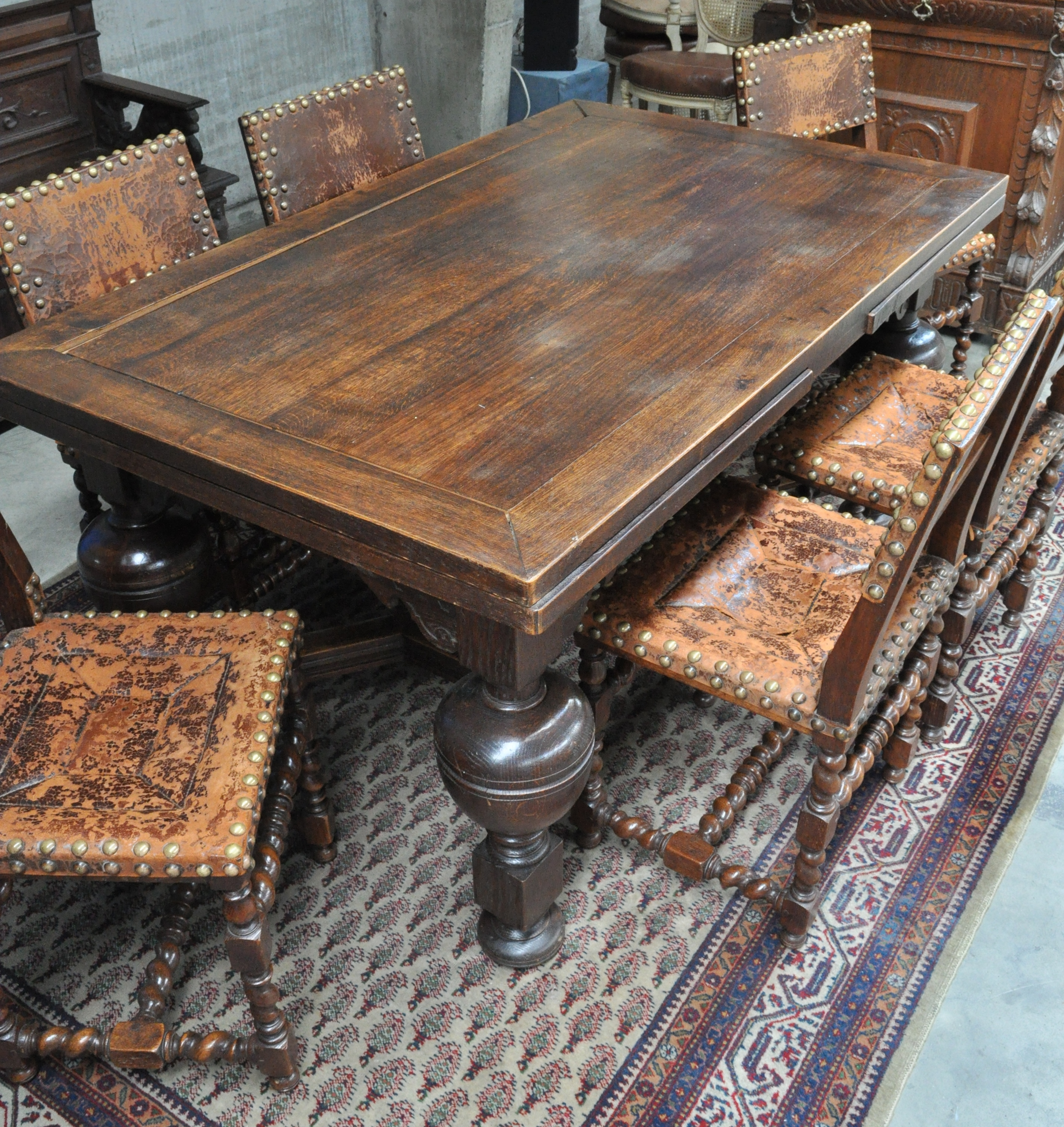 Eikenhouten tafel en 6 stoelen in renaissancestijl lederen ruggen en zitten tafel verlengbaar - Tafel en stoelen dineren ...