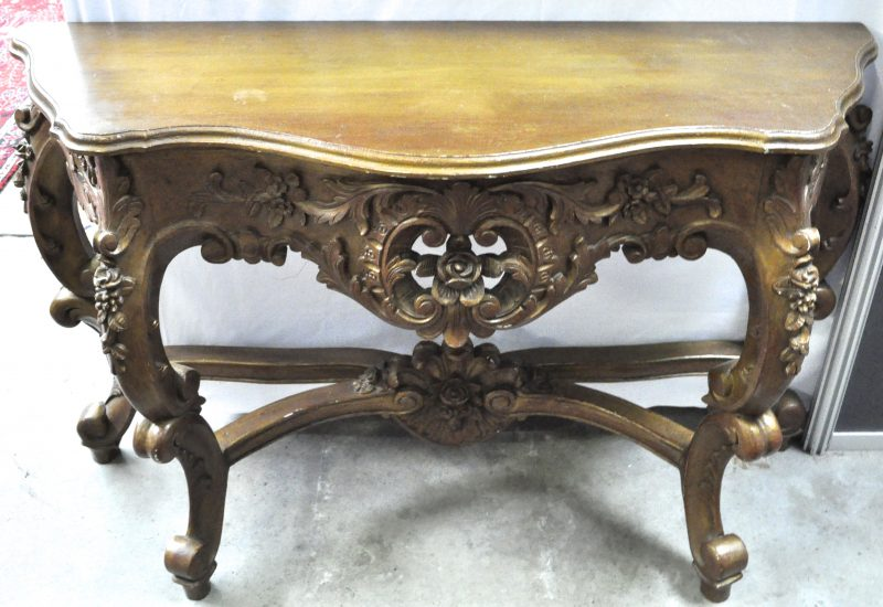 Console van gebeeldhouwd en gebeitst hout in lodewijk xv stijl jordaens n v veilinghuis - Garderobe stijl van lodewijk xv ...