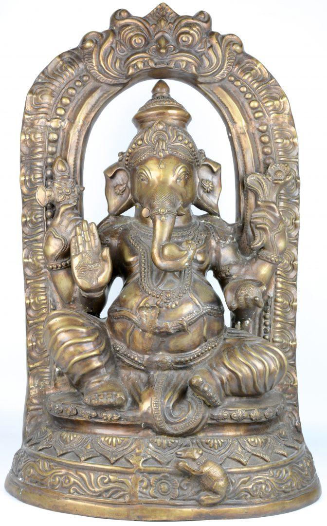 Een voorstelling van ganesha van brons indisch werk jordaens n v veilinghuis - Terracotta sokkel ...