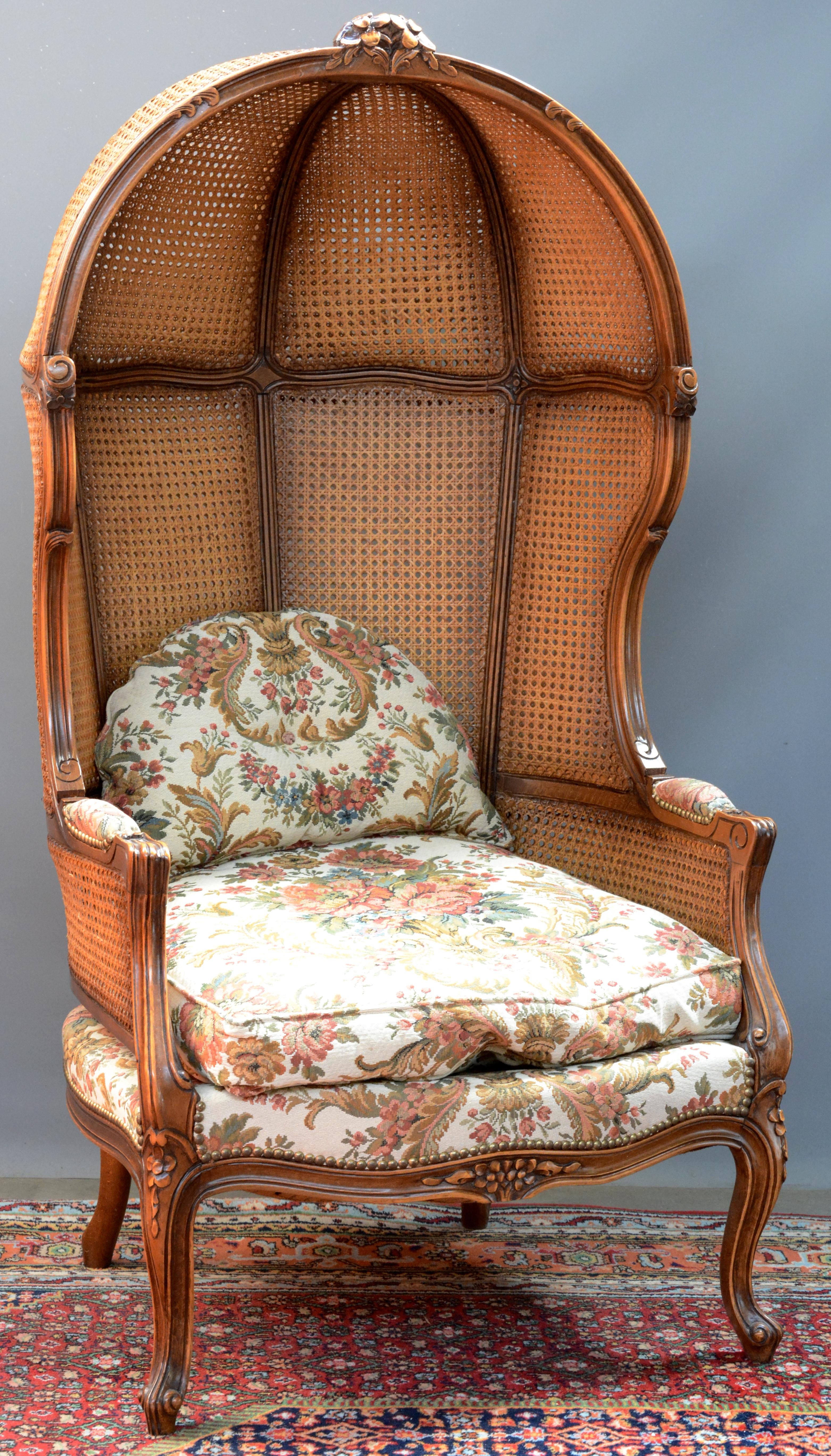 Eikenhouten luifelstoel in lodewijk xv stijl rug en kap van gevlochten riet jordaens n v - Garderobe stijl van lodewijk xv ...
