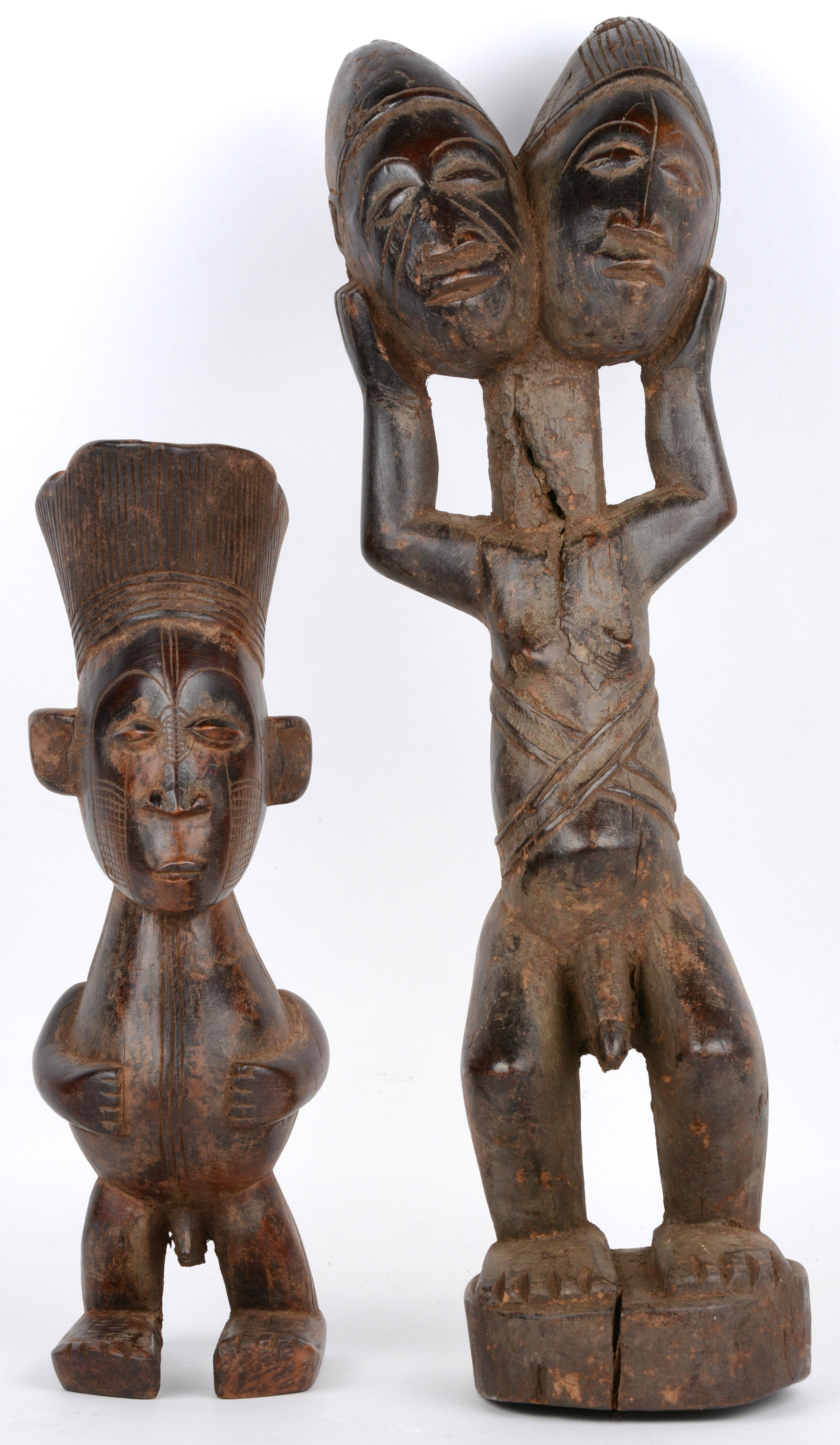 Twee verschillende beelden van gesculpteerd hout. Mangbetu, D.R.Congo.