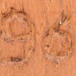 """""""Meisje en jongen"""". Twee houten beelden. Gesigneerd."""