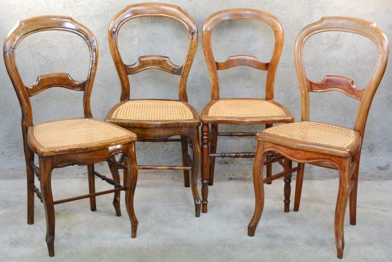 4 notenhouten stoelen in Louis Philippestijl met gecanneerde zit.