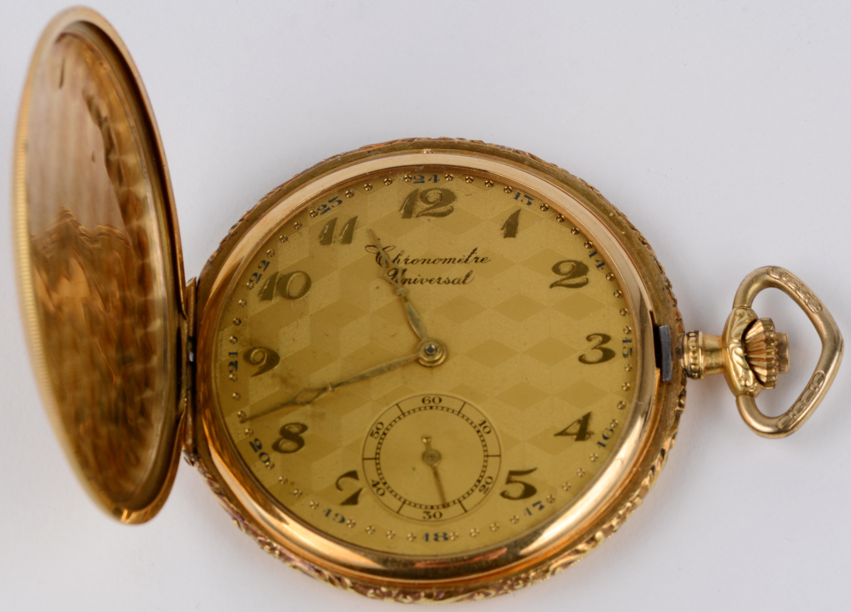 Een art deco zakhorloge in diverse kleuren goud van 18 karaat. Chronometre Universal. Genummerd en gemerkt 1906-1931. In originele doos.