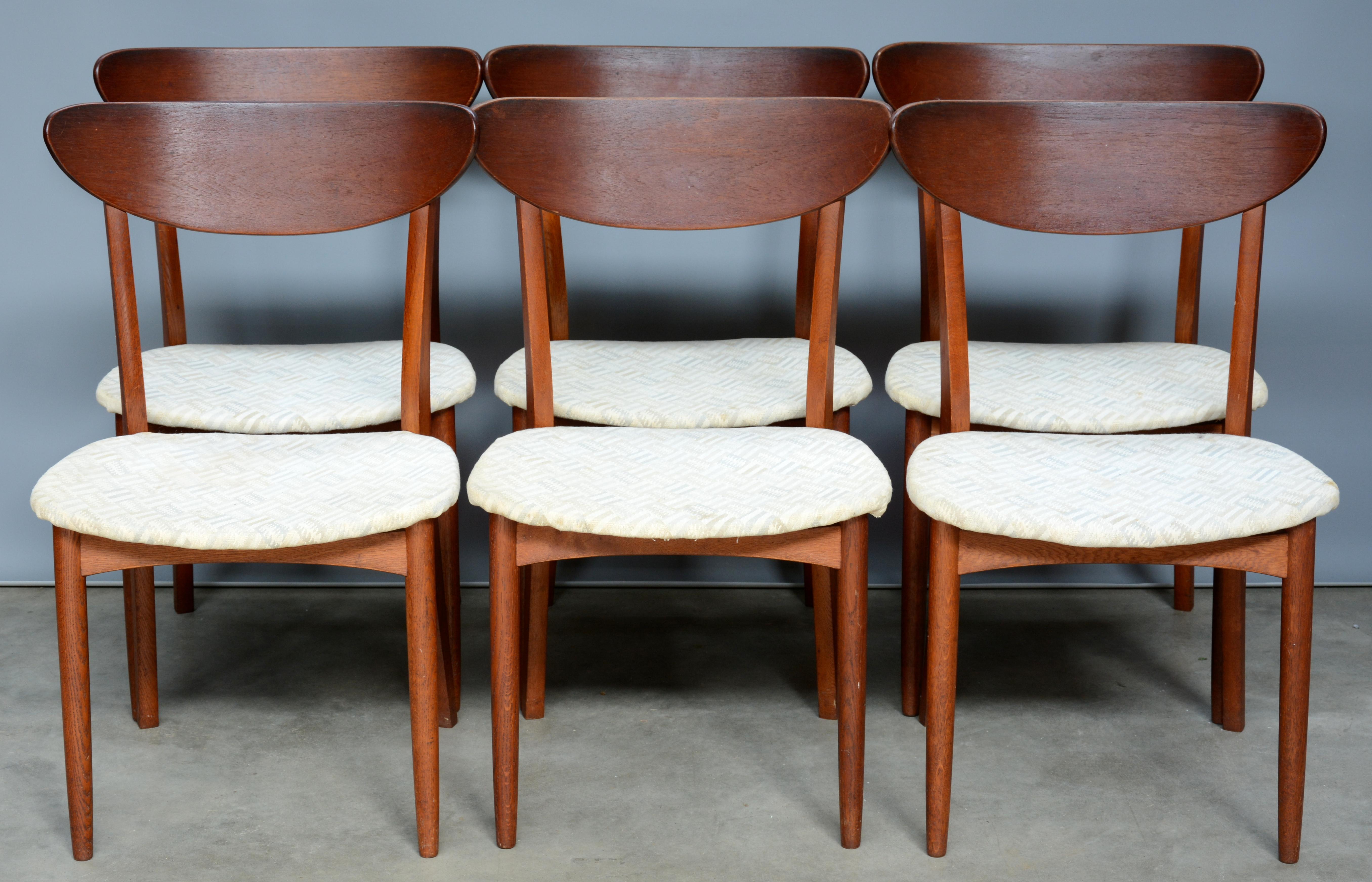 Jaren 50 Stoel : Zes vintage stoelen van teak. jaren 50. u2013 jordaens n.v. veilinghuis