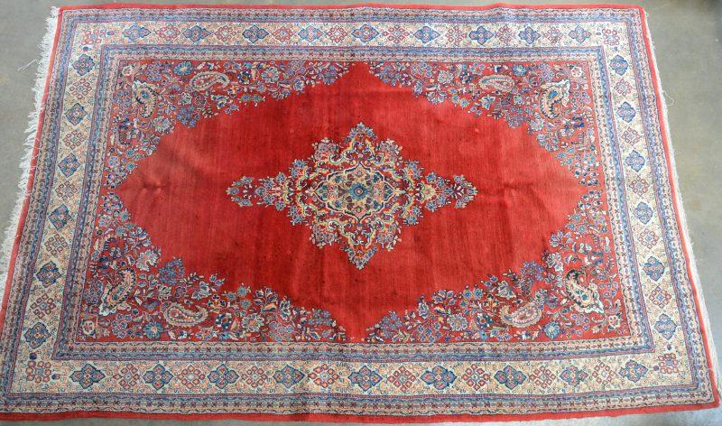 Een handgeknoopt wollen tapijt.
