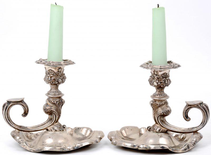 Een paar zilveren blakers in barokke stijl. 830‰. Zweedse keuren, na 1912. 328,6 gram.