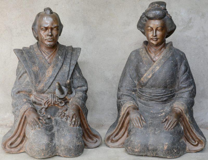 """""""Japans echtpaar"""". Twee bronzen beelden."""