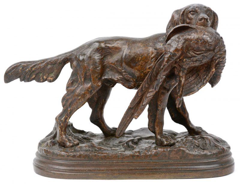 """""""Jachthond met fazant"""". Een bronzen beeldje. Gesigneerd."""