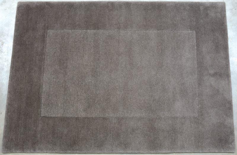 Een handgeknoopt Nepalees wollen tapijt.