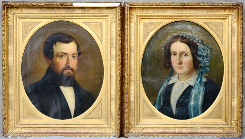 Een paar XIXe eeuwse burgerportretten. Olieverf op doek.