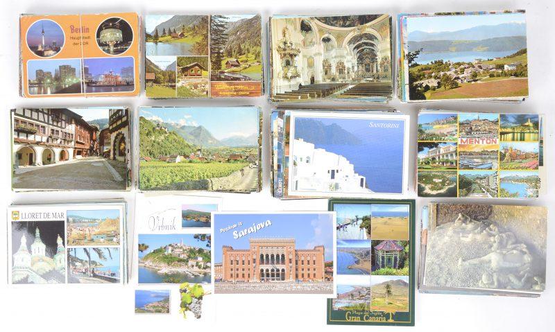Een lot prentbriefkaarten van diverse landen.