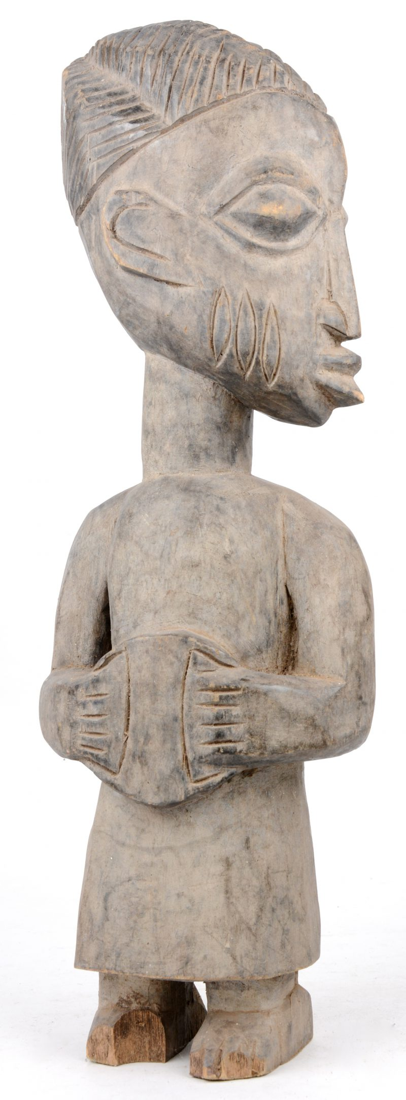 Een houten voorouderbeeld. Yoruba (Nigeria).
