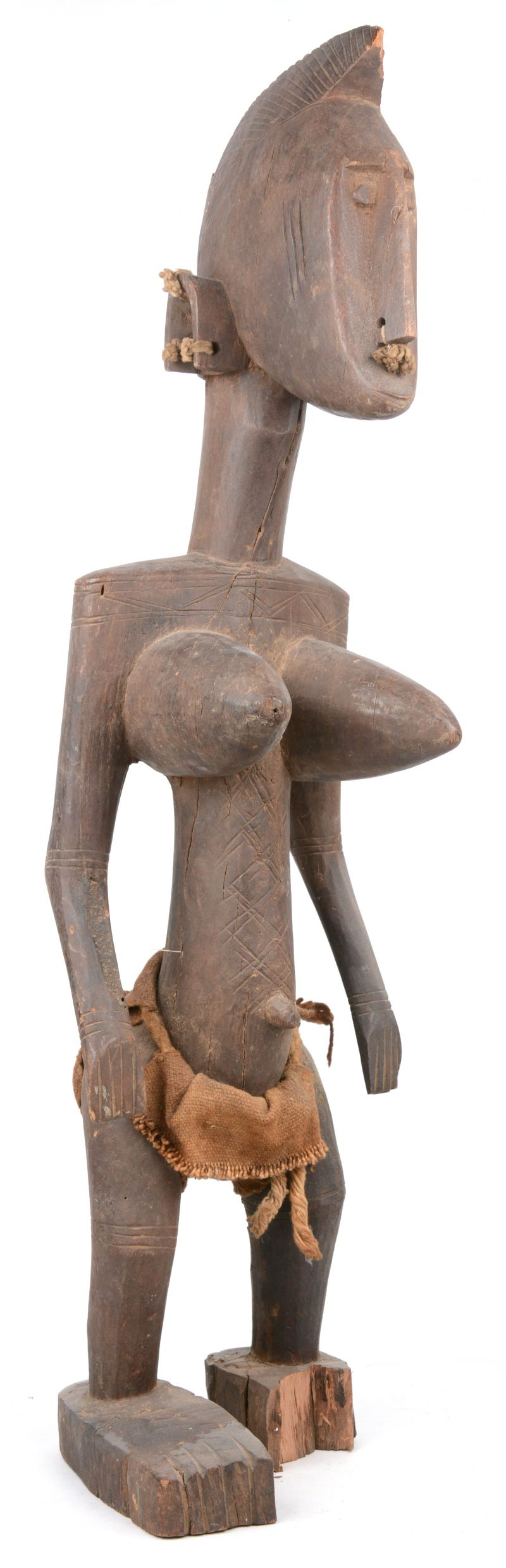 Een houten beeld van een vrouw. Yoruba (Nigeria).