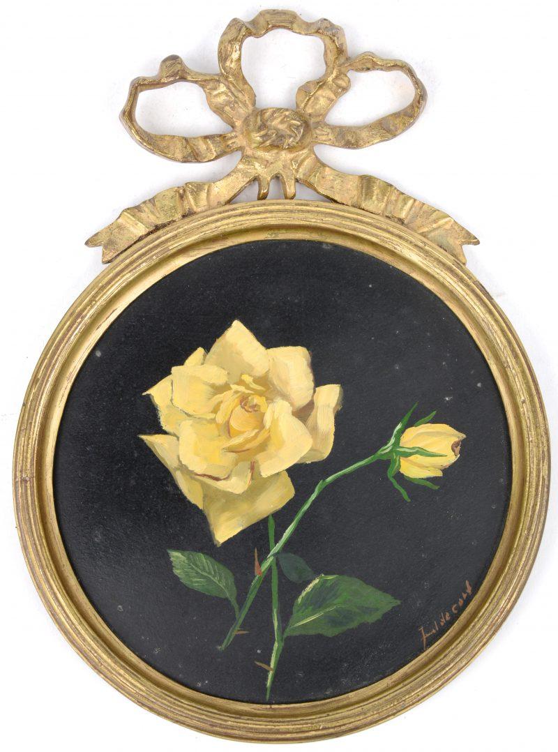 """""""Witte rozen"""". Olieverf op board. In een verguld bronzen kader, getooid met een strik."""