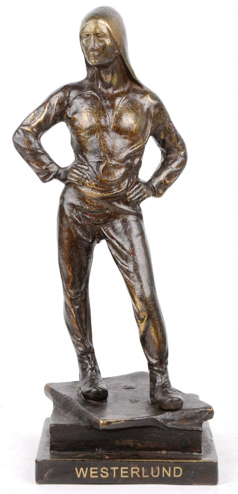 """""""De buildrager"""". Een bronzen beeld naar een werk van Constantin Meunier en met ipschrift 'Westerlund'."""