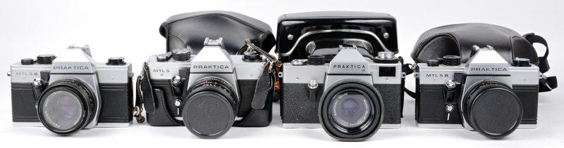 Een lot van vier vintage camera's:- MTL 5 in tas.- MTL 5 B in tas- MTL 5 B zonder tas.- LB in tas.