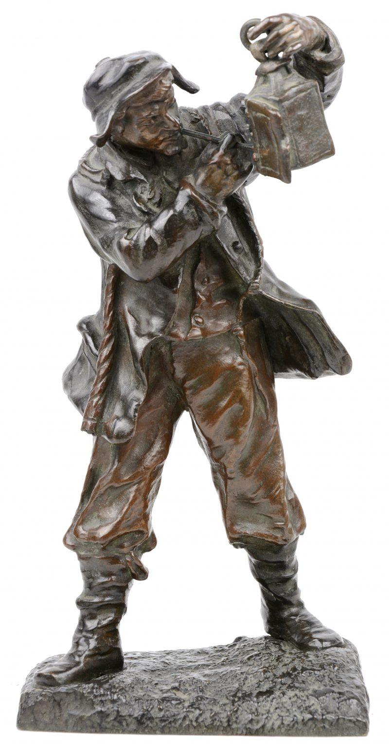 """""""Pijproker met lantaarn"""". Een bronzen beeld. Gesigneerd."""