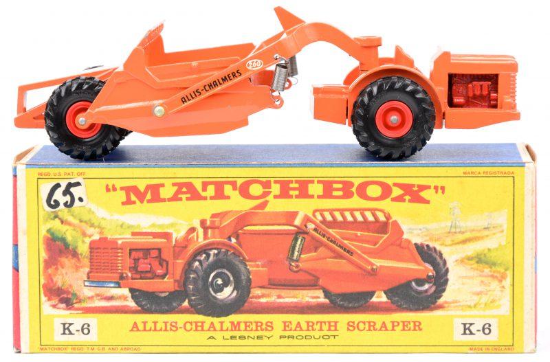 """""""Allis-Chalmers earth scraper"""". Een speelgoedvoertuig. Zeer goede staat. In originele doos."""