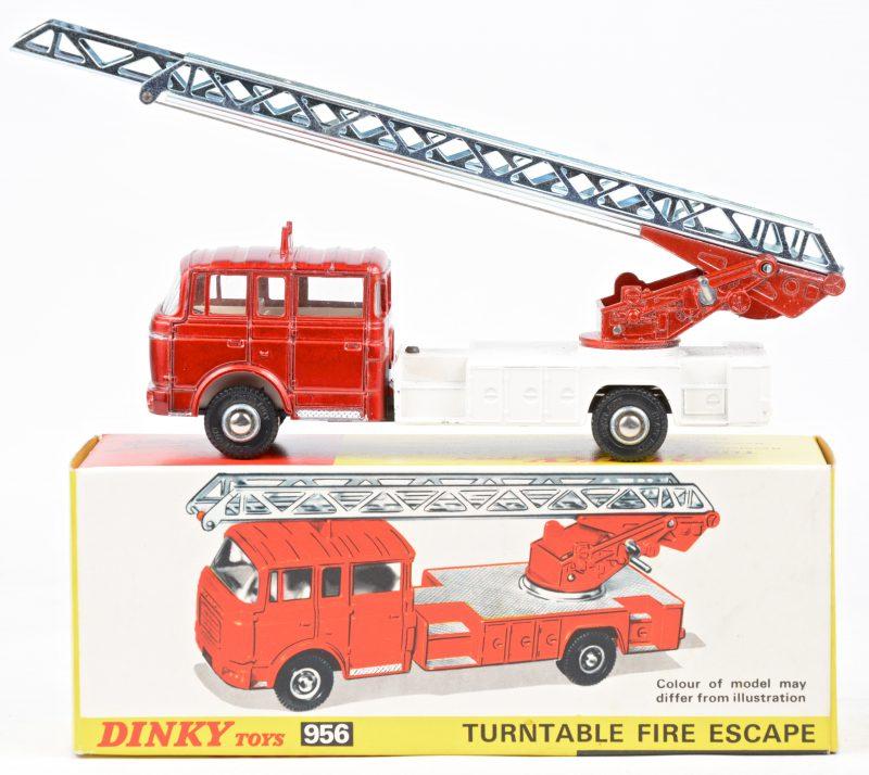"""""""Bedford turntabele fire escape"""". Een speelgoedvoertuig. Nieuwstaat. In originele doos."""