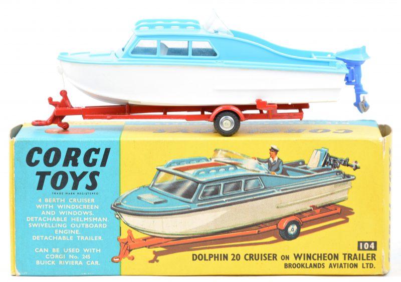 """""""Dolphin 20 Cruiser on Wincheon trailer"""". Zeer goede staat. In originele doos."""