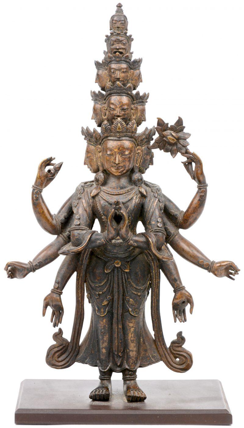 Een bronzen Taise Bodhisatva.