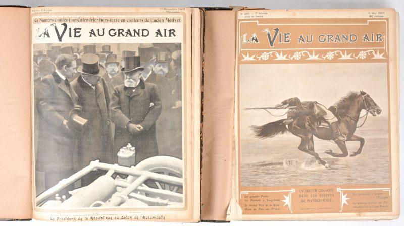 """""""La Vie au Grand Air. Twee volumes met jaaroverzichten van het Franse tijdschrift. 1903 en 1904."""