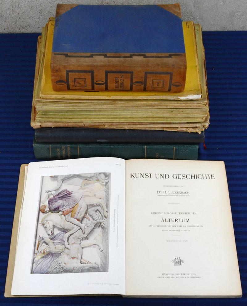 """Een lot Duitstalige lectuur:- Gebundelde uitgaves van het 'Deutsche Medizinische Wochenschrift' uit 1953 - Gebundelde uitgaves van tijdschrift 'Jugend' uit 1914- """"Kunst und Geschichte"""" 1910.- Een uitgave met houtsnedes naar Albrecht Dürer- Twee uitgaves van het tijdschrift 'Innen-Dekoration' uit 1921 en 1931.- """"Reise um die Erde"""". Twintig uitgaves.- """"Bilder - Lexikon Literatur und Kunst. 1929.We voegen er twee uitgaven van het Franse tijdschrift 'Art et décoration' uit 1932 aan toe."""