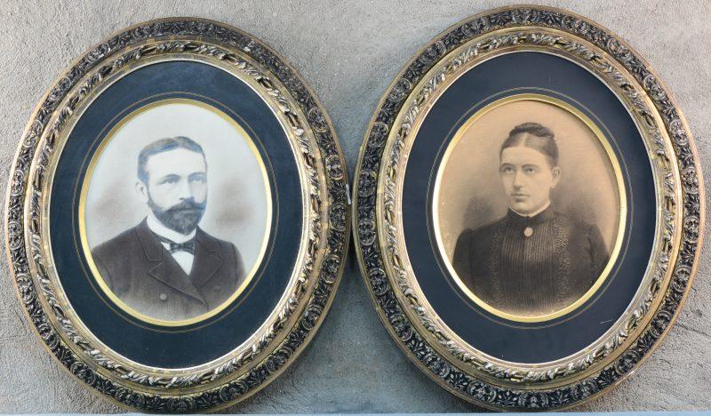 Paar ingelijste portretten. XIXde eeuw.