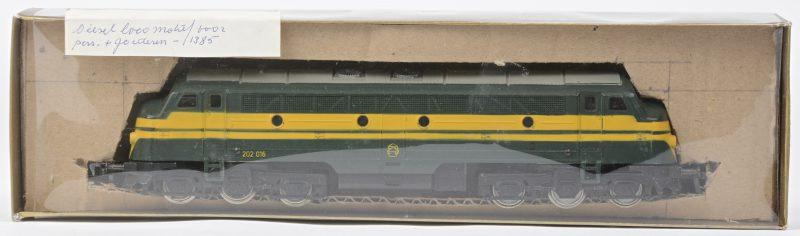 Een BR 204 diesellocomotief van de Belgische spoorwegen voor spoortype HO. Met boekje, maar zonder originele doos.