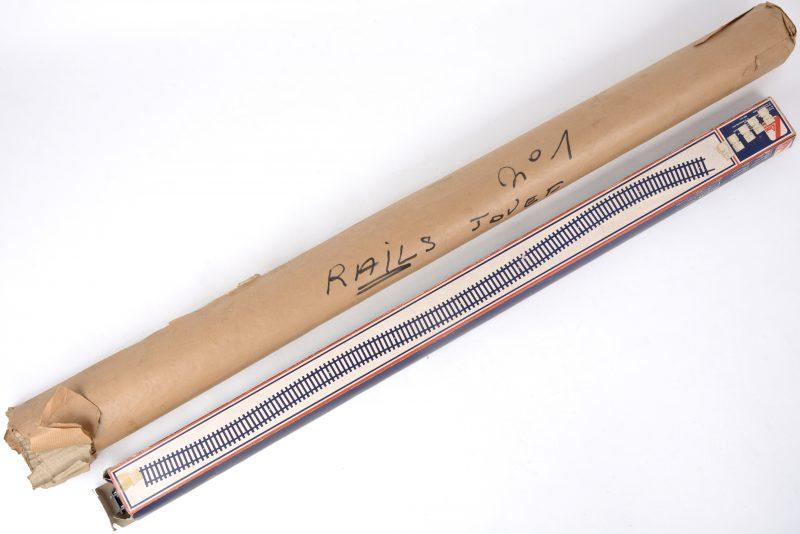 Twaalf lange flexibele rails, type HO.