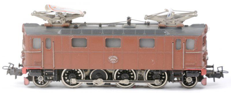 Een GS 800 elektrische locomotief van de Zweedse spoorwegen in de kleur bruin. Schaal HO. 1957.