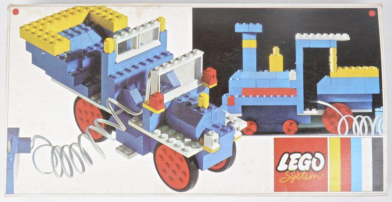 Een basisset voor het maken van verschillende modellen met 4,5V elektromotor. In originele doos. Met boekje. 1969.
