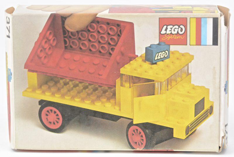 """""""Kiepwagen"""". Een bouwkit in originele doos. Met boekje. 1971."""
