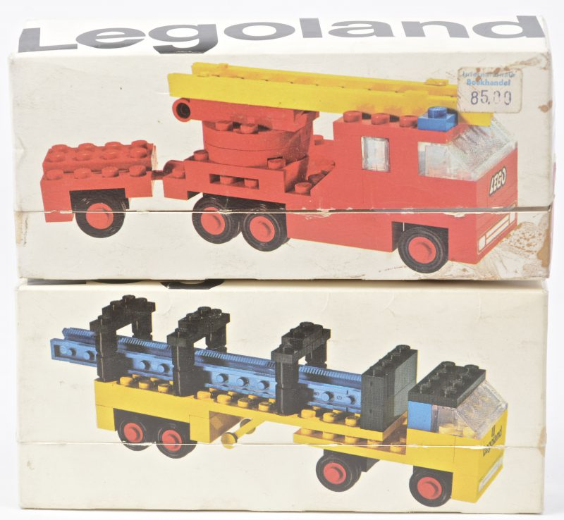 """""""Vrachtwgaen met stalen balken"""" & """"Ladderwagen brandweer"""". Twee bouwkits in originele doosjes. Met boekjes."""