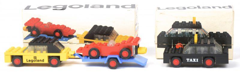 """""""Taxi"""" & """"Auto met racewagen op aanhangwagen"""". Twee bouwkits in originele doosjes. Met boekjes."""