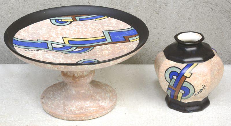 Een art deco tazza en een vaasje van meerkleurig aardewerk met decor 77 van A. Dubois. Onderaan gemerkt.