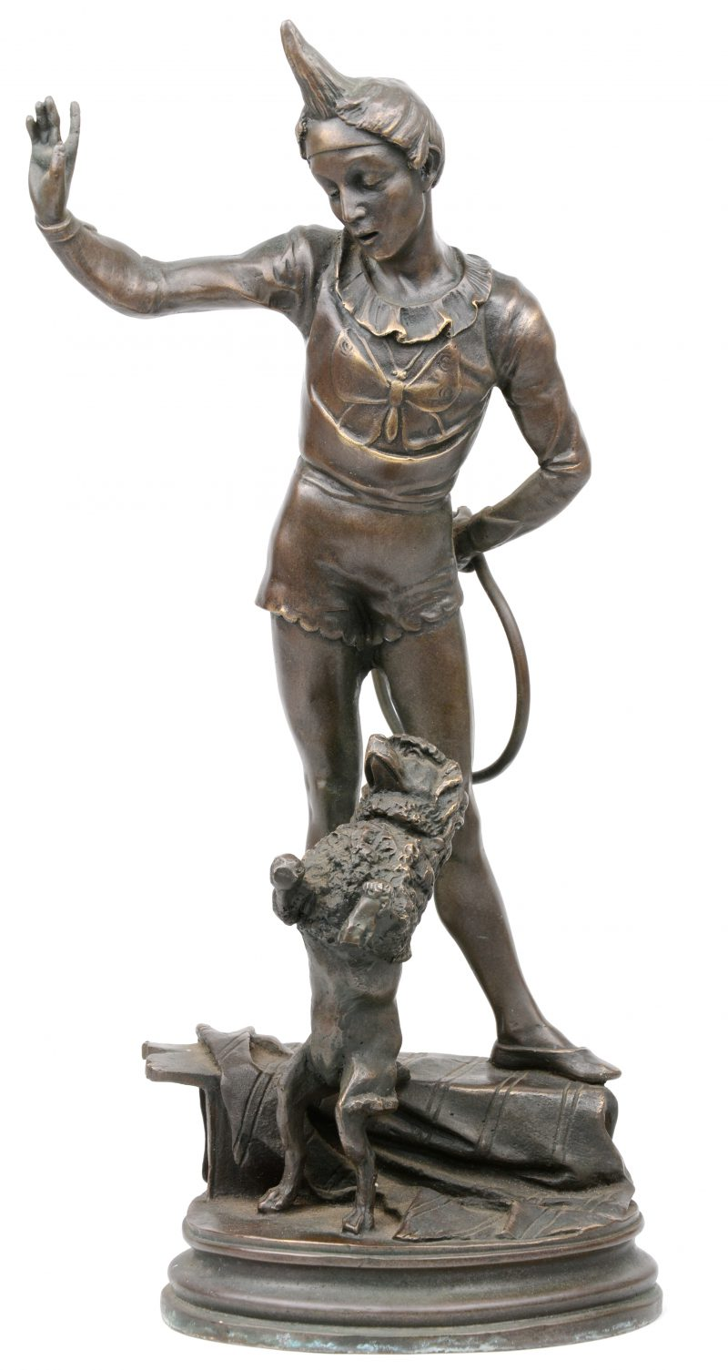 """""""Pierrot met poedel"""". Een beeld van brons naar een werk van Barye."""