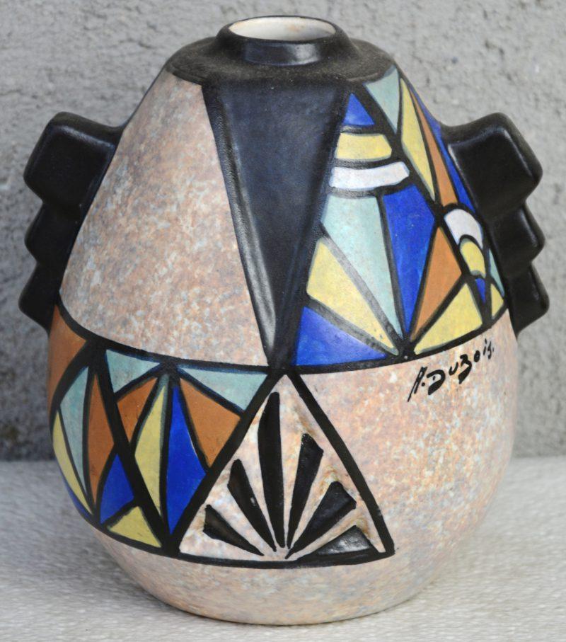 Een art deco vaas van meerkleurig aardewerk met een decor van Antoine Dubois. Gemerkt.