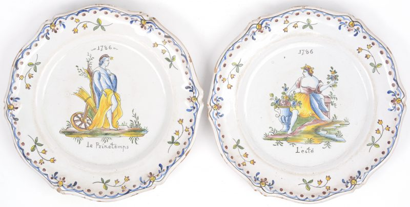 """""""Le Printemps"""" & """"L'ésté"""". Twee sierborden van meerkleurig Frans aardewerk. Gedateerd 1786."""