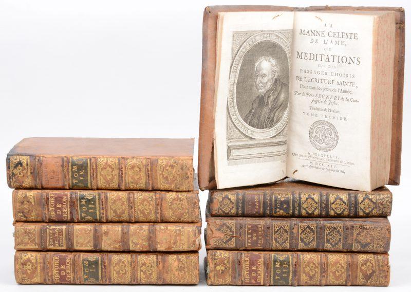 """8 boeken. """"Histoire de Cicéron tirée de ses Ecrits et des Monumens de son Siècle; Avec les Preuves & des Eclaircissemens"""". 5 delen. Ed. Didot, Paris 1743. Leder, in-16. Slijtage. M. de Barrett. """"Les Livres de Cicéron de la vieillesse, de l'amitié, les Paradoxes..."""", Ed. Barbou Paris 1776.  En drie andere. Leder, in-16. Slijtage."""
