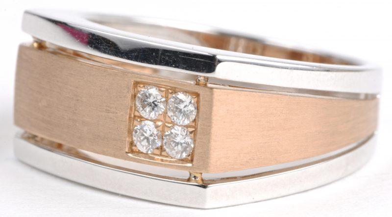 Een 18 karaats wit en roze gouden herenring bezet met diamanten met een gezamenlijk gewicht van ± 0,20 ct.