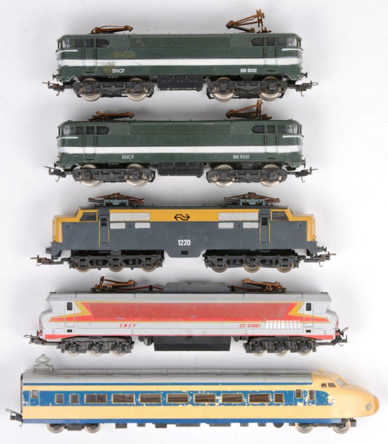 Vijf diverse locomotieven HO.