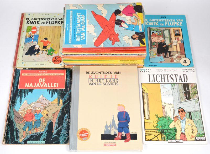 Een lot strips van uitgeverij Casterman, bestaande uit 5 albums van Kuifje, waarbij een speciale hardcover heruitgave van 'Kuifje in het land van de Sovjets' en een album naar de film 'Kuifje en de blauwe sinaasappels'. Verder 2 albums van 'Kwik en Flupke' 3 albums van 'Jo, Suus en Jokko', 12 albums van 'De 4 helden', een album van 'Guus Ganzegat', een album van Wilbur en Mimosa, een album van 'De Koene ridder', 2 albums van 'KAsper' en een album van 'Ray Banana'.
