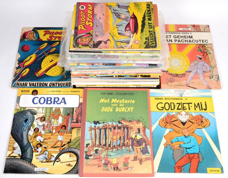 Een lot van 37 strips met onder andere strips van de Ketnetseries 'Basta', 'W817' en 'Spring, een Album van Gaston en Leo, vijf heruitgaves uit de 'Fenix collectie', twee oude albums van 'Pilot Storm', 'Urbanus', enz.