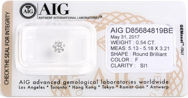 Een ronde briljant in gesloten AIG certificaat van 0,54 ct. Color F. SI1.