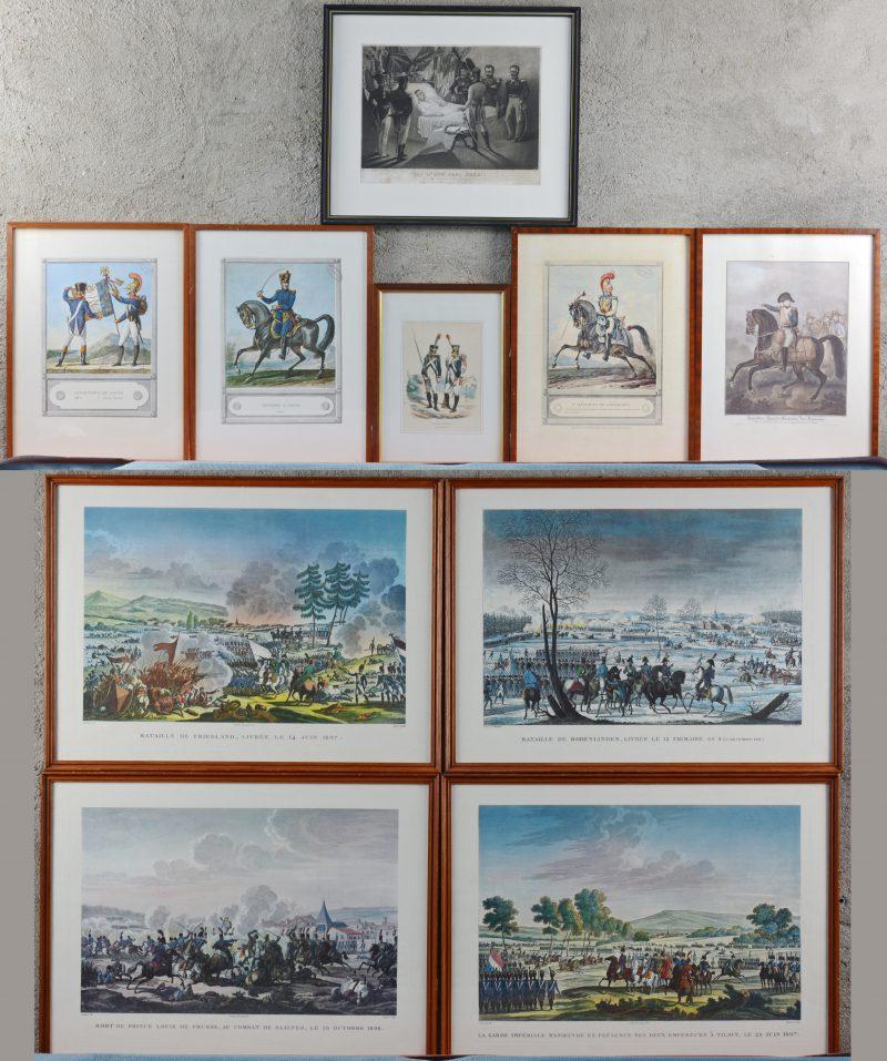 Een lot van tien lithografieën, herdrukken van XIXe eeuwse Franse voorstellingen met betrekking tot het Napoleontische leger.