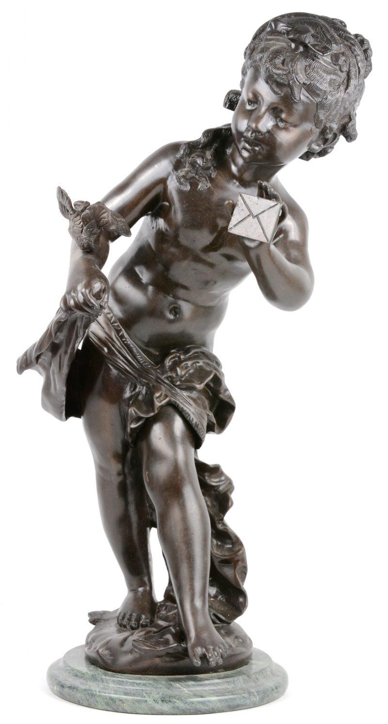 Een meisje met brief en vogel. Bronzen beeld naar Moreau.