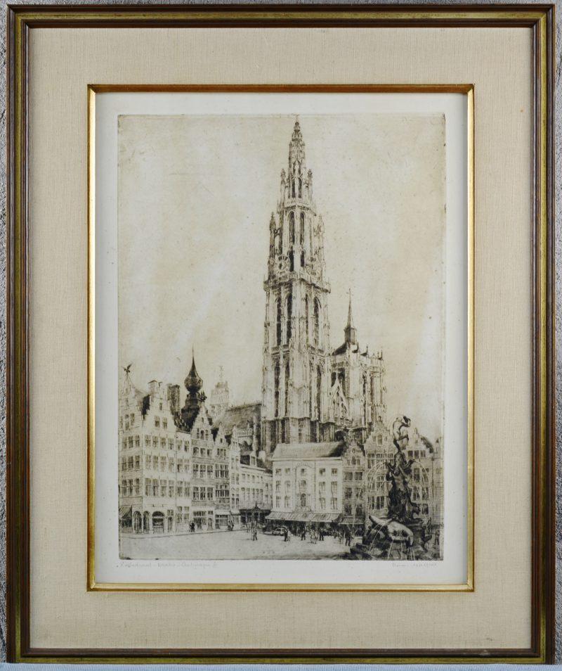 """""""Kathedraal - Brabo - Antwerpen"""". Een ets. Gesigneerd en genummerd 55/100 buiten de plaat."""