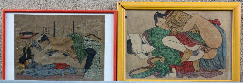 Een paar Japanse houtsnedes met erotische voorstellingen.
